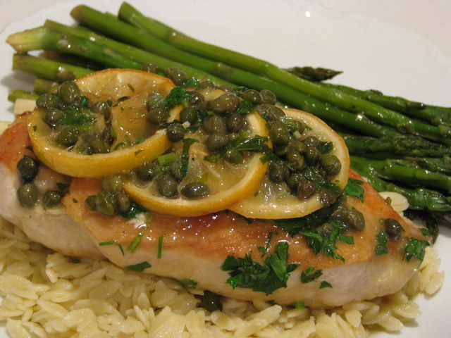 SAUTEED CHICKEN BREAST WITH LEMON SAUCE