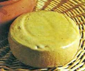 This image it is about Pecorino of Montone cheese