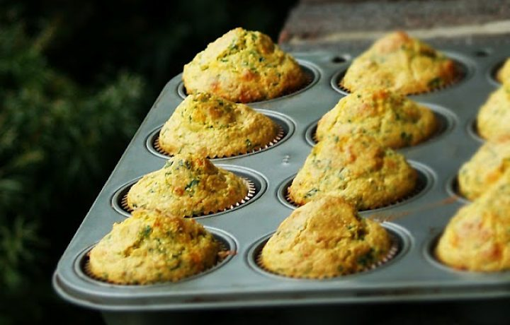 Easy Spinach-Corn Muffins 2