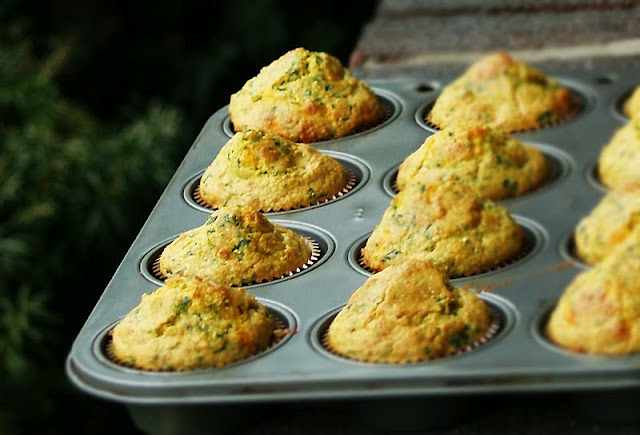 Easy Spinach-Corn Muffins 3