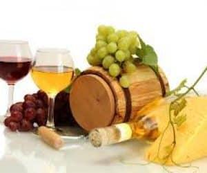 wine protects against eye disease