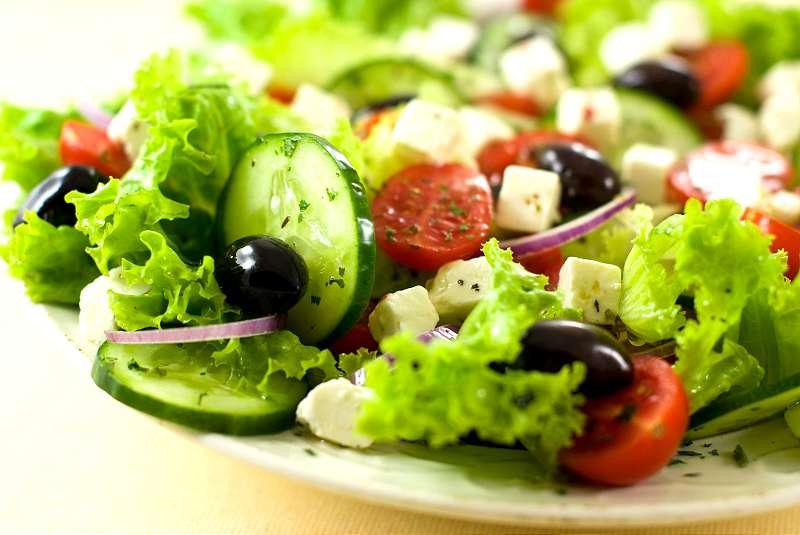 greek salad - vegetarian life