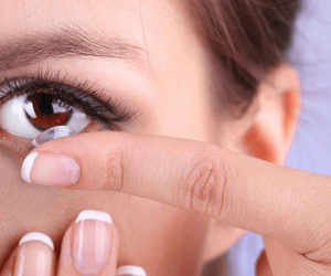 Imaginea thumbnail despre See How Contact Lenses Change Your Eye's Natural Bacteria