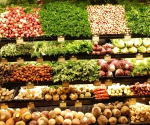 This image it is about Whole Foods – the myths and truth about!